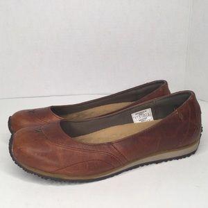 Eddie Bauer brown leather flats.
